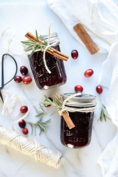Spread holiday cheer with everyone's favorite homemade holiday jam – don't forget to finish it off with a ribbon & bow! Perfect for a DIY Holiday Gift