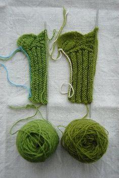 TantKofta: Julklappstips: Pulsvärmare med blad i kanten Knit Mittens, Mitten Gloves, Hand Warmers, Crochet Earrings, Knitting, Handmade, Dragon, Socks, Clothes