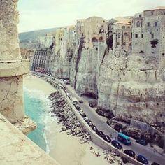 Www.eAnnunci.com - annunci gratis in #italia. #tropea #grazie #instalike #colori #cielo #blu #arte #madeinitaly #