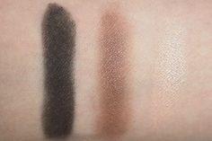 Swatch na pele das sombras Color Attraction Bronze Divino da Eudora.