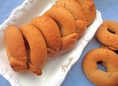 #Κουλουράκια με #ταχίνι #νηστίσιμα #nostimiesgiaolous Brownie Cookies, Pastry Cake, Greek Recipes, Hot Dog Buns, Nutella, Vegetarian Recipes, Biscuits, Food Porn, Food And Drink