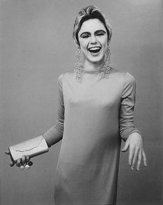Nasceva oggi Edie Sedgwick, musa di Andy Warhol - D-Art. The Velvet Underground, Andy Warhol, Edie Sedgwick, Musa, 1960s Fashion, Fashion Models, Vintage Fashion, Superstar, Poor Little Rich Girl