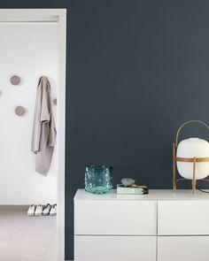 Discount Fall Home Decorations Blue Grey Walls, Dark Walls, Oslo, Wall Colors, House Colors, Jotun Lady, Interior And Exterior, Interior Design, Deco Blue