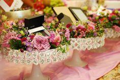 Whatalovelywedding By Fathinz: Hantaran pink purple with white rose dulang hantaran