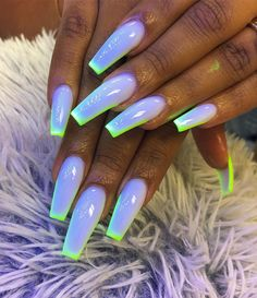 Semi-permanent varnish, false nails, patches: which manicure to choose? - My Nails Glow Nails, Aycrlic Nails, Manicure, Glitter Nails, Summer Acrylic Nails, Best Acrylic Nails, Summer Nails, Stylish Nails, Trendy Nails