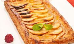 Tarta de manzana / Apple pie from Spain. Candy Recipes, Pie Recipes, Sweet Recipes, Cooking Recipes, Apple Fritter Recipes, Cheesecake Tarts, No Bake Snacks, Sweet Pie, No Cook Meals
