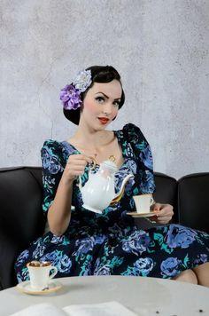 e290a2832a09ef Znalezione obrazy dla zapytania Idda van Munster Rockabilly Pin Up, Moda  Vintage, Vintage Outfits