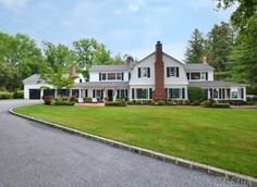 Huntington Bay - Sophisticated Country Waterfront Estate. Western Views... Converted Carriage House. Unique! Designer Traditional Decor. Lush Landscape & Gardens, Brick Walks & Patios. Watervews From Almost All Rooms. 20 X 40 Igp. Pool House/Cabana. Diamond Throughout! One Of A Kind! - $2,295,000
