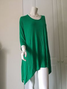 Tunic Top Asymmetrical Design in Plus Size by Sarah Santos of Italy