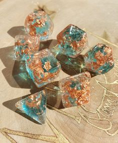 Resin Crafts, Resin Art, Dungeons And Dragons Dice, Dragon Dies, Dnd Characters, Pen And Paper, Tabletop Games, Magic The Gathering, Goblin