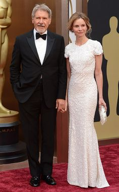 Oscars: Harrison Ford and Calista Flockhart (here is a much better example of a guy and girl with a large age gap between them) Celebrity Couples, Celebrity Weddings, Hollywood Couples, Celebrity Portraits, Celebrity Photos, Indiana Jones Films, Georgia, Superstar, Famous Couples