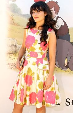 I love all things Zooey... therefore I love this dress, although I have a sneaking suspicion I would have loved it even if she weren't wearing it... :)