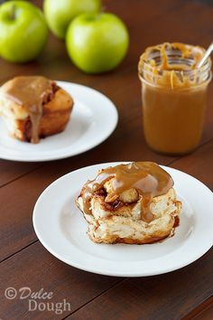 Caramel-Apple-Cinn-Rolls
