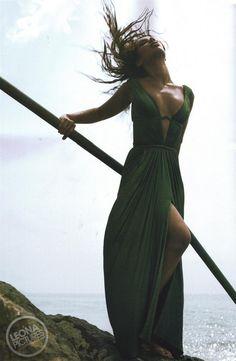 Klik op de foto om originele grootte te bekijken Leona Lewis, Her Style, Candid, Love Her, Photo Galleries, Wrap Dress, Classy, Photoshoot, Black And White