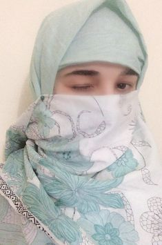 Hijab Niqab, Muslim Hijab, Beautiful Muslim Women, Beautiful Hijab, Love Diary, Niqab Fashion, Girly Pictures, Love Poems, Funny Love