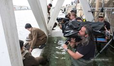 Dunkirk - Behind the scenes photo of Hoyte van Hoytema, Fionn Whitehead & Christopher Nolan