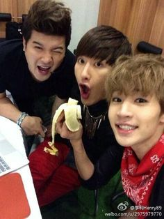 (Super Junior M) Henry & Zhou Mi (Super Junior) Shindong