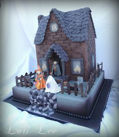 Cakes by Lori Lee ~ Halloween Haunted House - Alternate View of Halloween Haunted House Cake with Trick-or-Treaters. Everything was Made by Hand