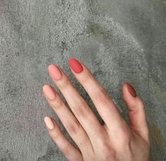 On average, the finger nails grow from 3 to millimeters per month. If it is difficult to change their growth rate, however, it is possible to cheat on their appearance and length through false nails. Ten Nails, Xmas Nails, Fall Nails, Cute Acrylic Nails, Acrylic Nail Designs, Pastel Nail Art, Nagellack Trends, Minimalist Nails, Dream Nails