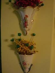 Resultado de imagem para floreira antiga de parede