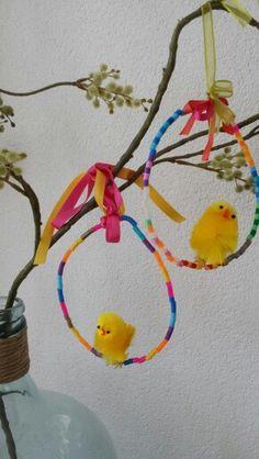 Knutselen voor Pasen - met ijzerdraad en strijkkralen