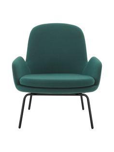 Simon Legaldin suunnittelema Era-tuoli on tyylikäs yhdistelmä klassisia linjoja ja modernia designia, tuntuen samanaikaisesti turvallisen tutulta ja raikkaan tuoreelta. Tuolin linjakkaassa muotoilussa on kiinnitetty erityistä huomiota istuinmukavuuteen. Era on kestävä, pitkäikäinen ja tilan tarpeisiin mukautuva huonekalu, joka sopii monenlaiseen sisustukseen.<br/><br/>Fame-kankaalla päällystetyn tuolin istuinkorkeus on 40 cm.
