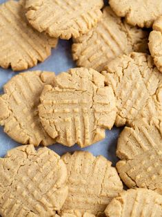 Searching for the best cookie recipes? Our collection of easy cookie recipes includes chocolate chip cookies, peanut butter cookies, sugar cookies, and more. Classic Peanut Butter Cookie Recipe, Best Peanut Butter Cookies, Butter Pecan, Brownies, Peanut Recipes, Cookie Recipes, Dessert Recipes, Brownie Recipes, Biscuits