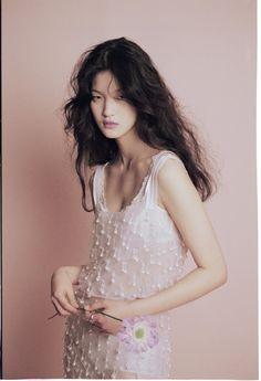 ELLE korea apr 2016 Flower effect Fashion Shoot, Editorial Fashion, Fashion Editor, Pretty People, Beautiful People, Portrait, Vogue Korea, Asian Fashion, Fashion Photography