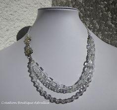 Collier triple rangs en perles de verre transparent « Adélie » par Boutique Astrallia : Collier par boutique-astrallia