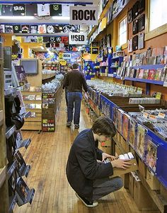 The Best Record Stores in the USA Pictures - Shake It Records Vinyl Record Store, Vinyl Store, Vinyl Records, Buy Vinyl, Recording Studio Home, Vinyl Junkies, Rare Vinyl, Vinyl Music, Books