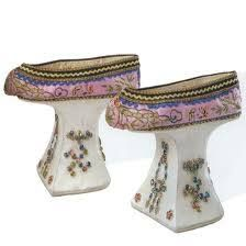 Zapatos antiguos. Artesanía