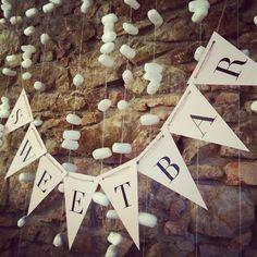 Sweet bar #svatbadesign #girlanda #svatba #design #sladkosti #sladkybar #wedding #sweetbar #candybar #decoration #garland