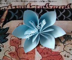 Origami kwiaty niebieskie