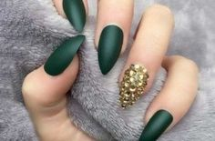 Fall stiletto nail design for 2018 If you are seeking for a bold and daring look, stiletto nails are for you. Stiletto Fall color nails trends is something you should learn before the season comes. Spring Nail Art, Nail Designs Spring, Spring Nails, Summer Nails, Pointed Nails, Stiletto Nails, Coffin Nails, Garra, Nail Polish Designs