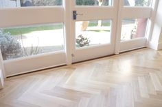 European Oak Herringbone for a Kitchen & Boot Room in Cambridge. The Engineered Oak Herringbone blocks were lacquered with Pallmann Pall-X Pure Lacquer Herringbone, Cambridge, Windows, Pure Products, Boots, Kitchen, Projects, Crotch Boots, Log Projects