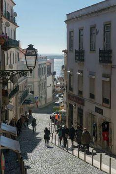 Bom dia Lisboa Rua Bartolomeu de Gusmão  Photografia Ana Luisa Alvim  Cámara municipal de Lisboa