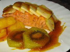 Receta de salmón con frutas y salsa de naranja