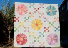 dresden plate quilt pattern | 30s Irish Chain Dresden Plate Quilt Top