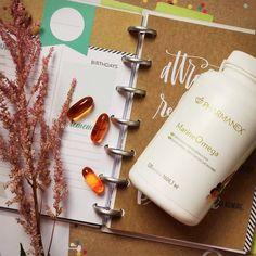 Bist du auf der Suche nach einer großartigen, hochqualitativen Quelle für Omega 3? 🐟🦀 Dann hole dir jetzt unser Pharmanex MarineOmega 🏃🏻♀️ Nu Skin, Omega 3, Anti Aging, Motivation, Fitness, Healthy Recipes, Vanilla, Beauty, Cards