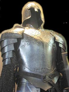 Day 15: Favourite Armor. I love the tree design on the Gondor armor, and thus it has won the title of the best armor.