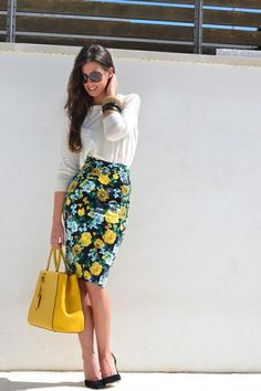 Pencil Skirts 101- not 100% sure about the fabric, but want to make a pencil skirt like this soon