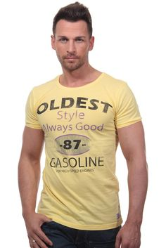 T-Shirt Rundhals slim fit    Das lässige T-Shirt von CATCH ist mit dem coolen Printmotiv auf der Vorderseite ein stylischer Hingucker. Aus reiner Baumwolle gefertigt, fühlt sich das Shirt superbequem an auf der Haut. Der praktische Rundhalsauschnitt betont zudem den angesagten Look. In Kombination mit lässiger Jeans oder Short wird es zu einem coolen Outfit.    - lässiges T-Shirt von CATCH  - g...