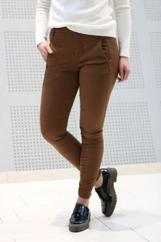 5Units - Jolie Nobel Brown Brown, Pants, Fashion, Moda, Trousers, Fashion Styles, Women Pants, Women's Pants, Fashion Illustrations