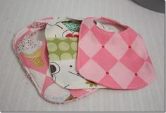 Pattern and how to, make baby bibs. #DIY #Handmade #Gifts
