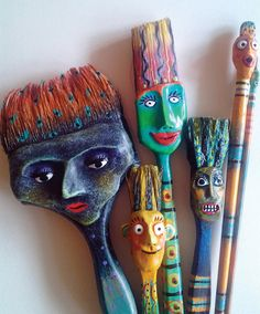 Art Classes at Art Mundo in historic downtown Ft. Pierce, FL- what to do with old paint brushes