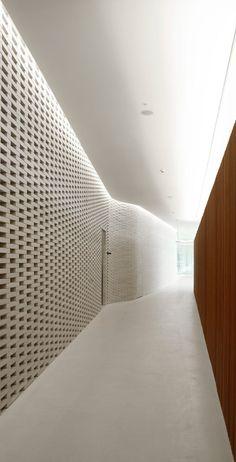 White Yard Club & White Yard Gallery, Mount Pavilia, Hong Kong, by Minsuk Cho of Mass Studies