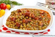 MANCARE DE MAZARE CU CARNATI SEMIAFUMATI | Diva in bucatarie Romanian Food, Romanian Recipes, Chana Masala, Risotto, Bacon, Cooking Recipes, Yummy Food, Meals, Vegetables