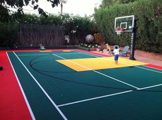 x backyard court backyard sport court in 2019 школа Backyard Sports, Backyard Basketball, Portable Basketball Hoop, Outdoor Basketball Court, Sports Basketball, Sports Court, Baskets, Dream Mansion, Outdoor Living