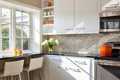 ideas encimera de granito en la cocina pequeña moderna