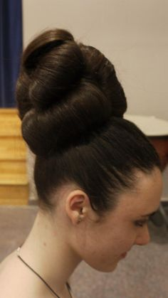 perfect updo by Evelyn Beard